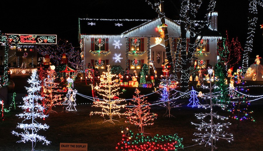 Guide to Holiday Light Displays in Hawaii