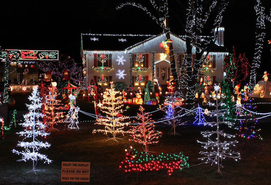 Hawaii Christmas.Guide To The Best Holiday Light Displays In Hawaii