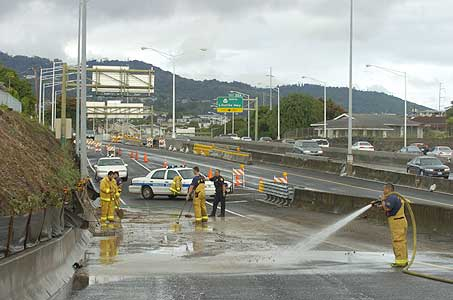 Flooding and Mudslides Cause H-1 Closures