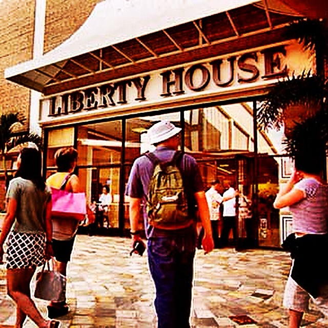 We are gonna do a throwback Thursday Hawaii for you. Who remembers Liberty House?  #tbt #tbthawaii #libertyhouse #gobeyond