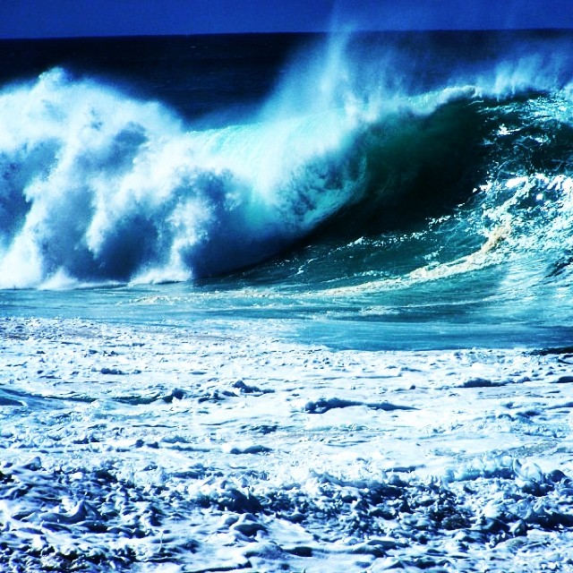 North shore Oahu. There is no better place for waves. #hawaii #northshore #oahu #waves #gobeyond
